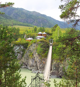 Храм на острове Патмос, Алтай, река Катунь